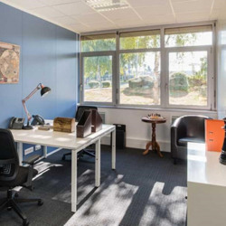 Location Bureau Paray-Vieille-Poste 226 m²