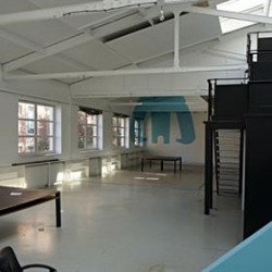 Location Bureau Saint-Ouen 240 m²