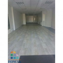 Location Local commercial Rochefort 168,19 m²