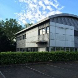 Location Local d'activités Ballan-Miré 832 m²
