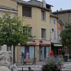 Vente Local commercial L'Isle-sur-la-Sorgue 182 m²