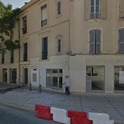 Location Local commercial Nîmes 78,8 m²