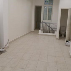 Location Local commercial Paris 18ème 53 m²