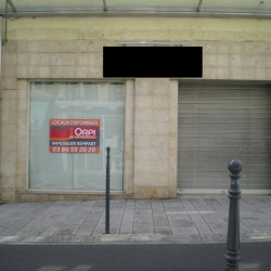Location Local commercial Nevers 298 m²