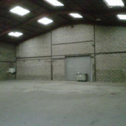 Location Local d'activités Le Perray-en-Yvelines 2170 m²