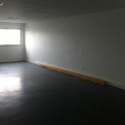 Location Bureau Coignières 58 m²