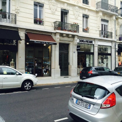 Vente Local commercial Grenoble 108,3 m²
