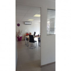 Location Local commercial Antibes 121,21 m²