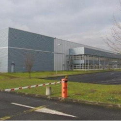Location Entrepôt Combs-la-Ville 2593 m²