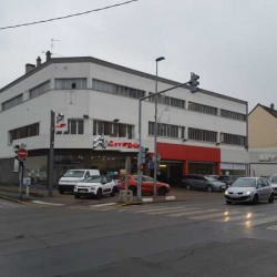 Location Local commercial Le Blanc-Mesnil 3600 m²