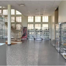 Location Entrepôt Vaulx-en-Velin 1020 m²