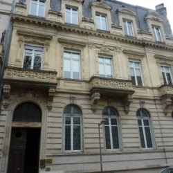 Vente Bureau Bordeaux 301 m²