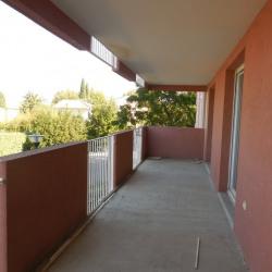 T3 de 61 m² en 2ème étage, piscine et parking