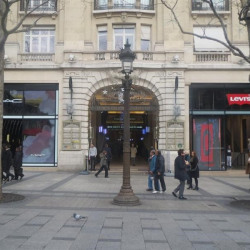 Location Bureau Paris 8ème 32 m²
