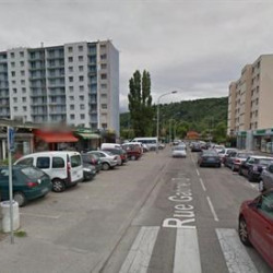 Location Local commercial Échirolles 90 m²