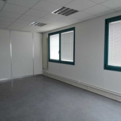 Location Bureau Savigny-le-Temple 241,26 m²