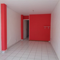 Location Local commercial Ducos 38 m²