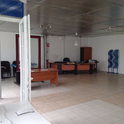 Location Local d'activités Lormont 185 m²