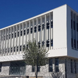 Location Bureau Castries 41 m²