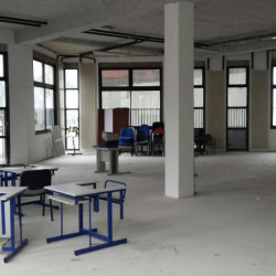 Location Local commercial Évry 288 m²