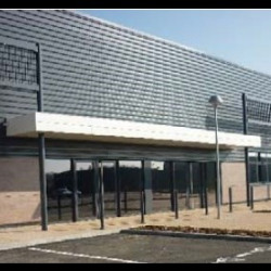Location Local commercial Saint-Bonnet-de-Mure 230 m²
