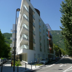 Location Bureau Grenoble 92 m²