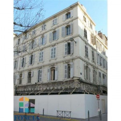 Location Local commercial Marseille 1er 33,7 m²