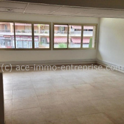 Location Bureau Cannes 107 m²