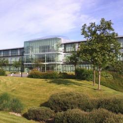 Location Bureau Voisins-le-Bretonneux 2577 m²