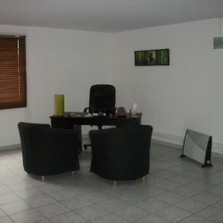 Location Bureau Caveirac 39 m²