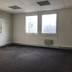 Location Bureau Saint-Nom-la-Bretèche 124 m²