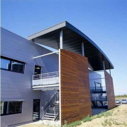 Location Bureau Pusignan 532 m²