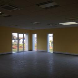 Location Bureau Andeville 200 m²