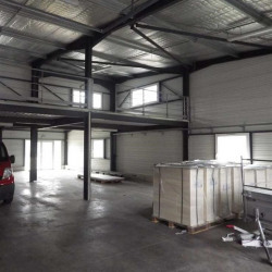 Location Entrepôt Sénas 250 m²