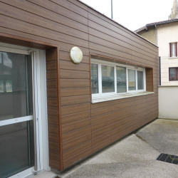 Location Local commercial Saint-Quentin-Fallavier 99 m²