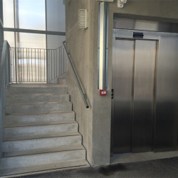 Vente Bureau Saint-Denis-lès-Bourg 116,83 m²