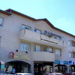 Location Local commercial Chassieu 55,72 m²