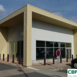 Location Local commercial Panazol 400 m²