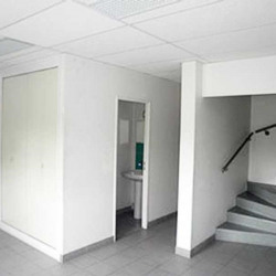 Location Local d'activités Mareuil-lès-Meaux 974 m²