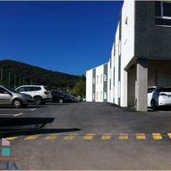 Location Local commercial La Crau 85 m²