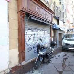 Location Local commercial Marseille 1er 45 m²