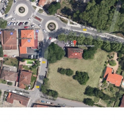 Location Local commercial Vernet 365 m²