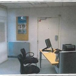 Vente Bureau Saint-Yrieix-la-Perche 80 m²