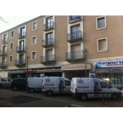 Location Local commercial Parthenay 784 m²