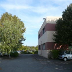 Location Bureau Saint-Genis-Laval 61 m²