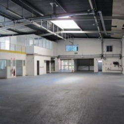 Location Entrepôt Carros 1130 m²