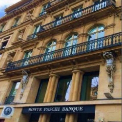 Location Entrepôt Paris 8ème 275 m²