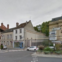 Location Local commercial Provins 400 m²