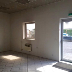 Location Local commercial Saint-Maximin 200 m²
