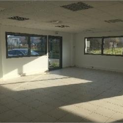 Location Bureau Villefontaine 77 m²